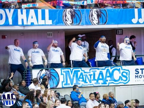Mavs Fanatic (32 of 68)